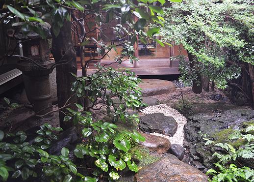 古武邸の中庭