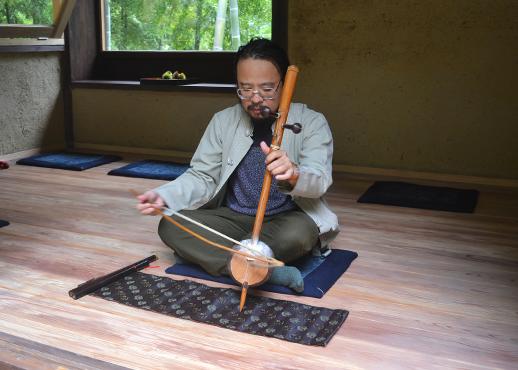 タイの弦楽器サロー