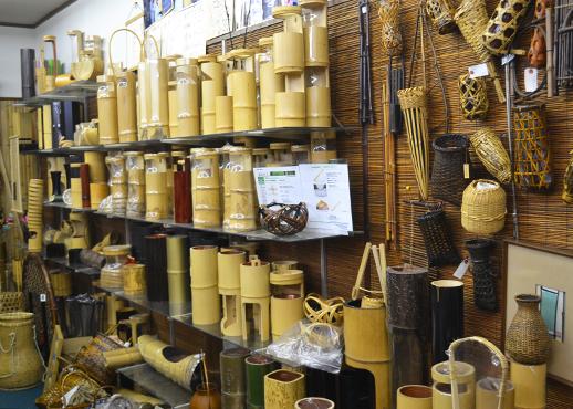 東洋竹工の展示室
