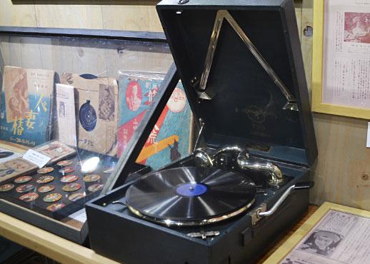 おもちゃ映画ミュージアムの蓄音機