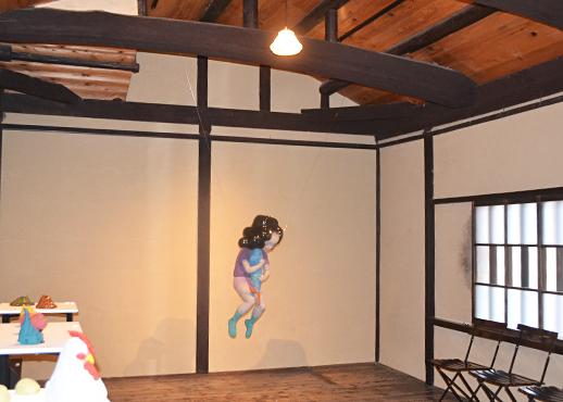 山田千晶さんの個展「瞳をとじて ひらく扉」