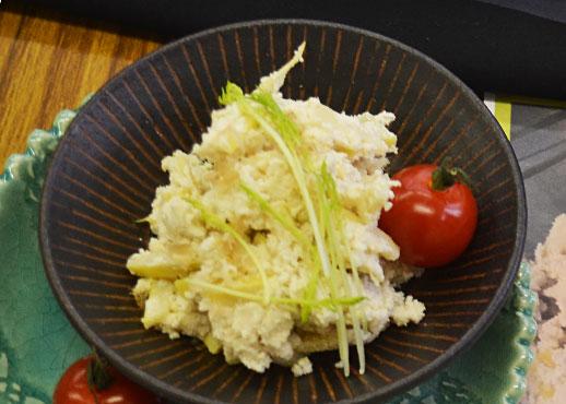 セミナーで行われた料理コンテストに出されたメンマ入おからサラダ